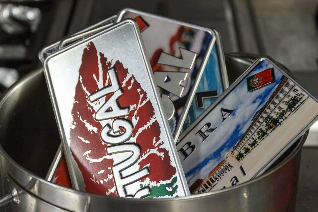 Placa Aluminio Portugal Premium Beijo as Cores de Portugal - Ocean Plates Placas em Aluminio