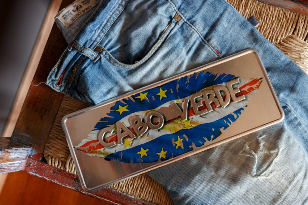 Placa Aluminio Cabo Verde Premium Beijo de Cabo Verde - Ocean Plates Placas em Aluminio